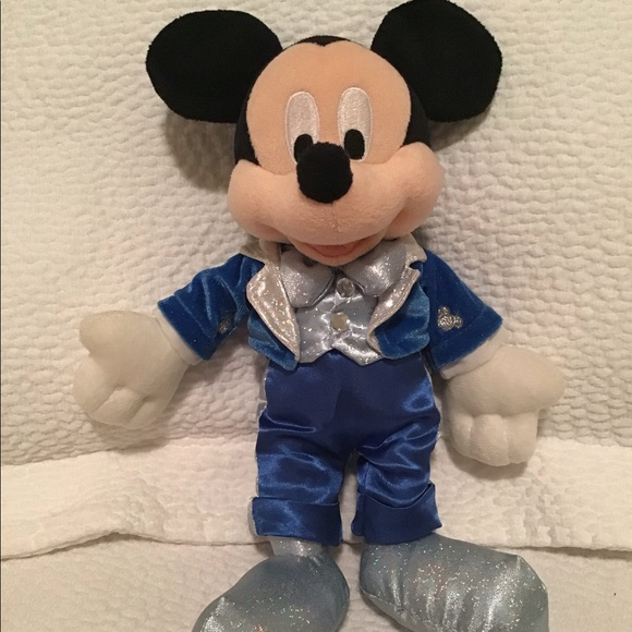 Disney Dream Friends Mickey Mouse Retired